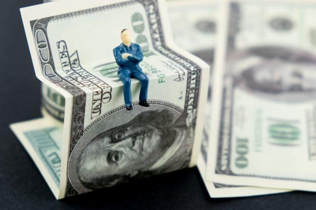 hogyan lehet első pénzt keresni a tőzsdén
