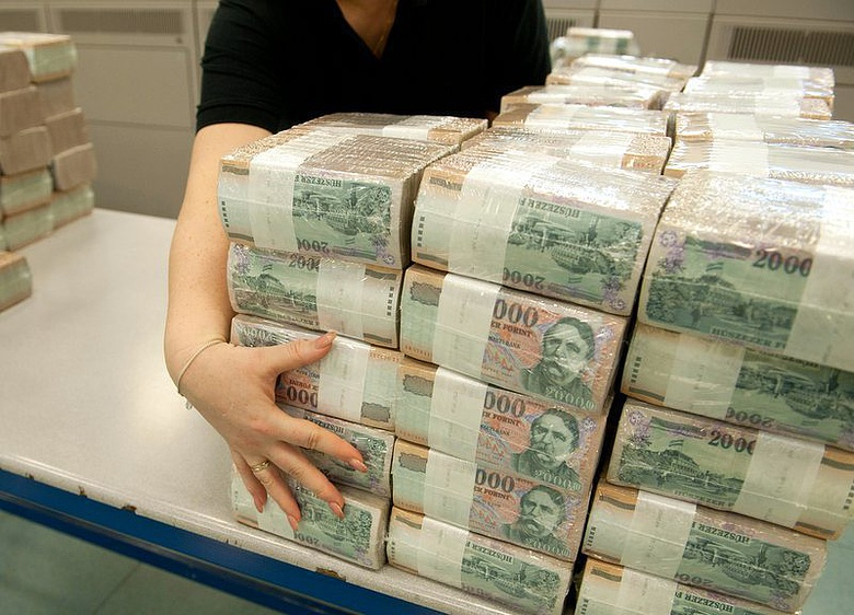 hogy a gazdagok sok pénzt kerestek
