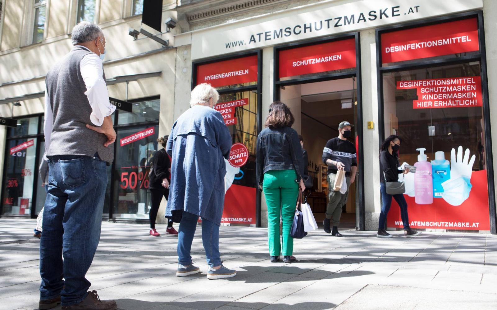 Szeméttelepeken leadott dolgokat árul Bécs legmenőbb használtcikk-kereskedése