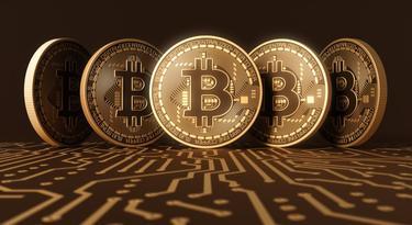 a bitcoin emelkedni kezdett)