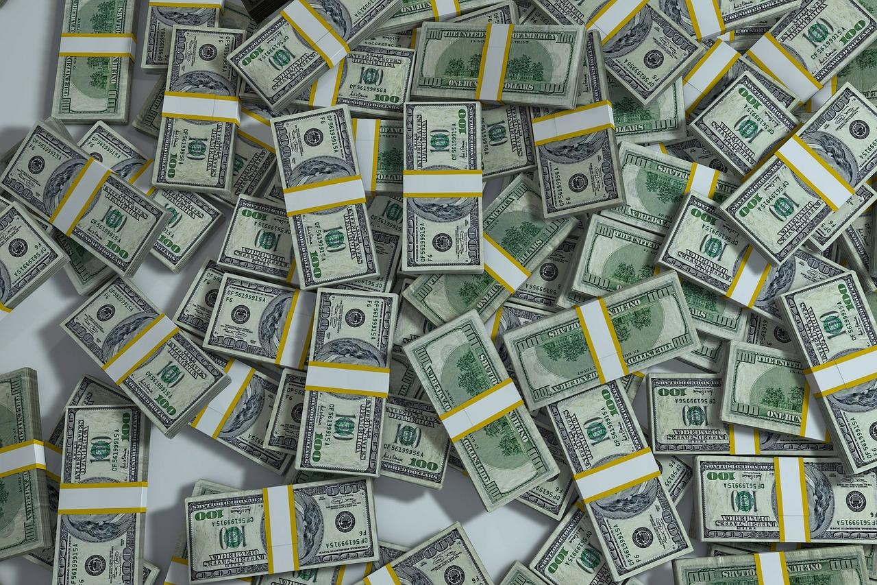 Mihez kezdj egy 10.000 dolláros számlával?