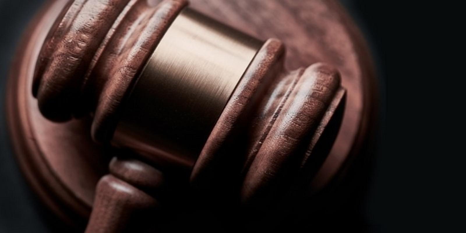 hogyan lehet pénzt keresni egy ügyvéd számára