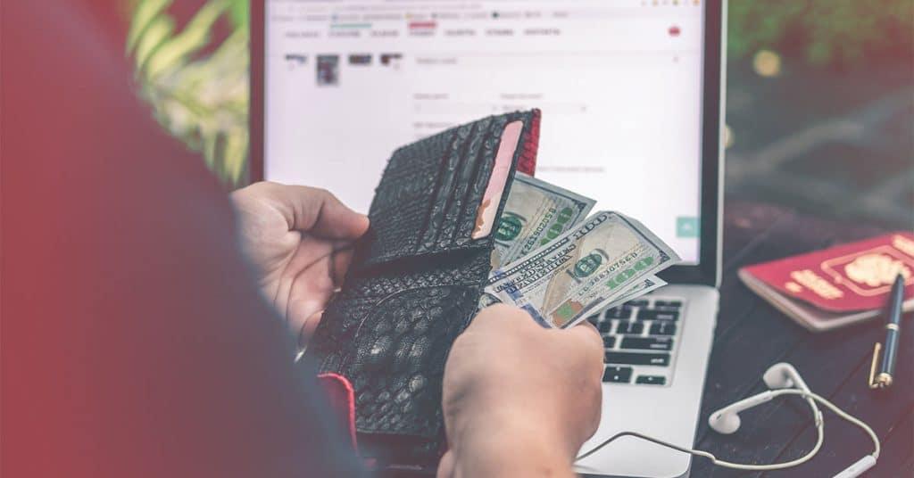 hogyan lehet pénzt keresni weboldalak segítségével)