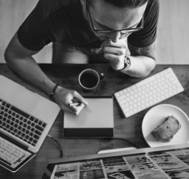 hogyan lehet pénzt keresni az irodában