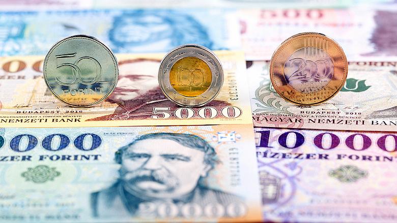 pénzt keresni a dollár árfolyamának kitalálásával)