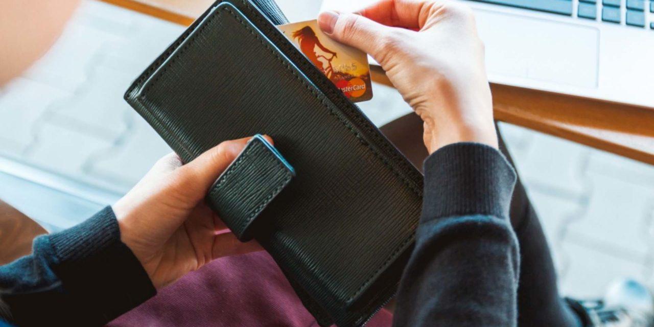 Hogyan működik az online bankkártyás fizetés?